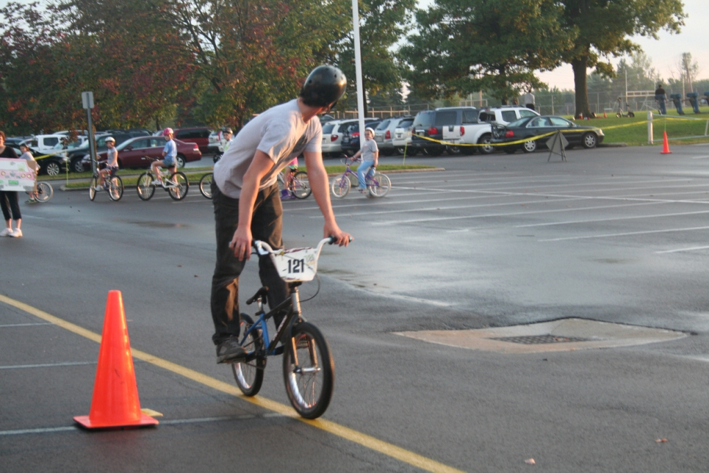 /upload/images/photo_album/community/2011_-_9_granby_elementary_bicycle_safety_rodeo_4
